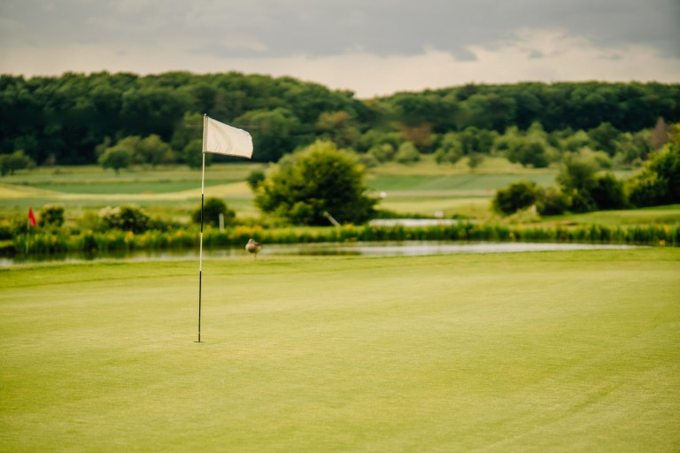 flagge-golfplatz-altenstadt